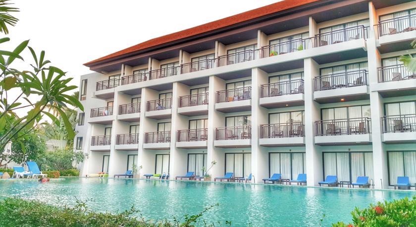 D Varee Mai Khao Beach
