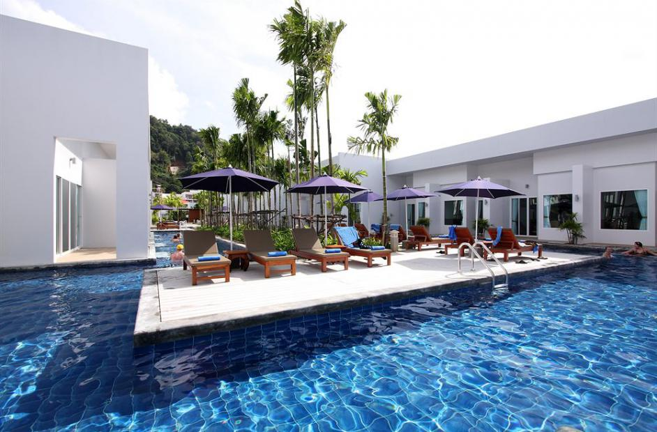 Kata Lucky Villa Pool Access