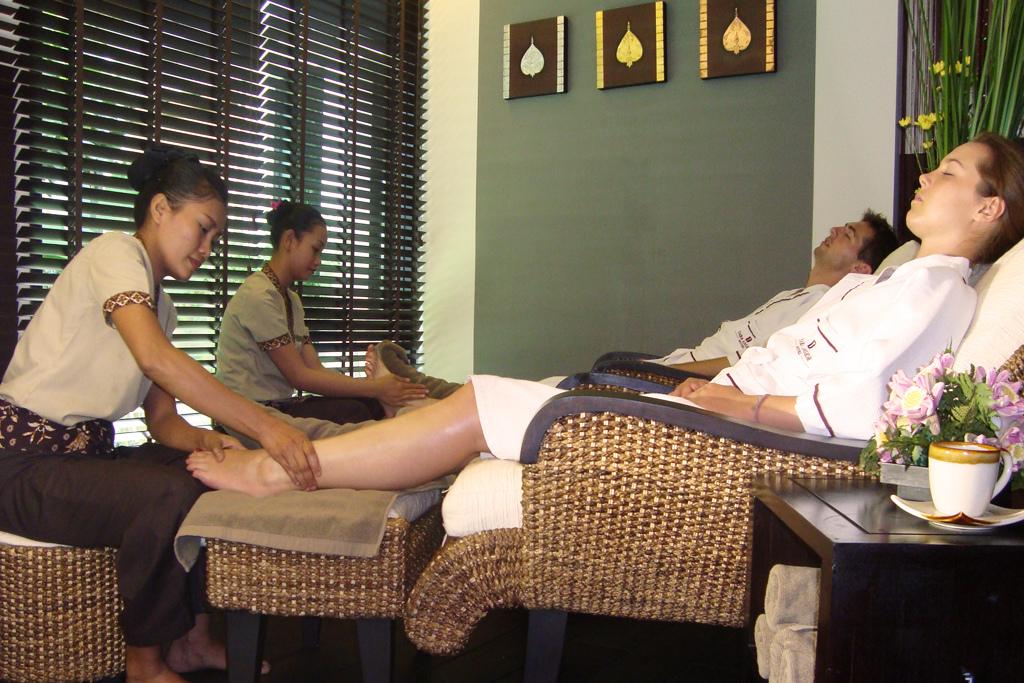 Массаж ног в Тайланде (фут массаж)